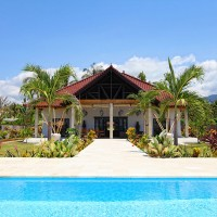 Holiday house with pool in Bali.